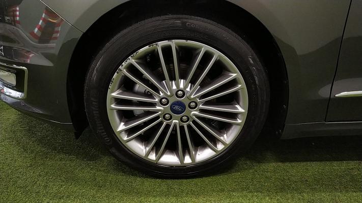 Ford Mondeo Hybrid 19