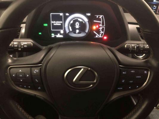 Lexus UX Hybrid 19