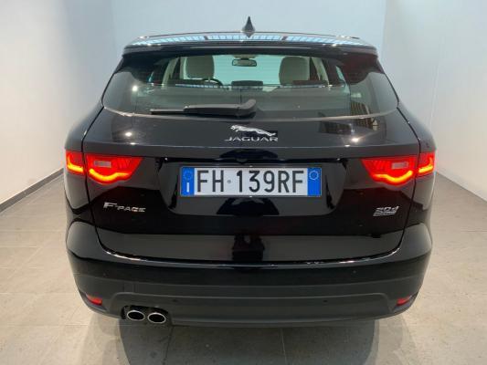 Jaguar F-Pace 6