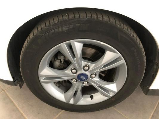 Ford C-Max 24