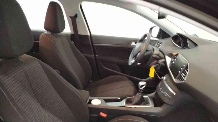 Peugeot 308 SW 11