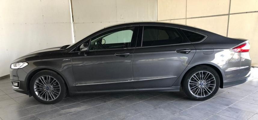 Ford Mondeo Hybrid 1