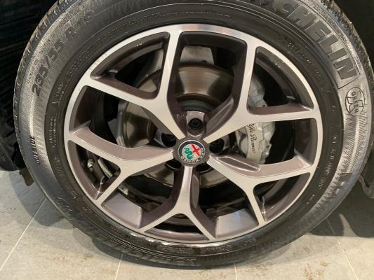 Alfa Romeo Stelvio 23