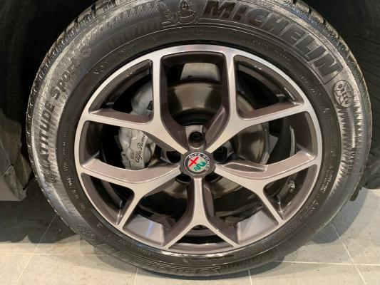 Alfa Romeo Stelvio 26