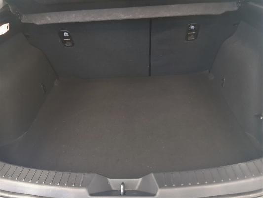Mazda Mazda 3 8