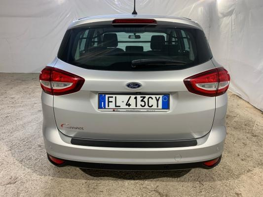 Ford C-Max 6