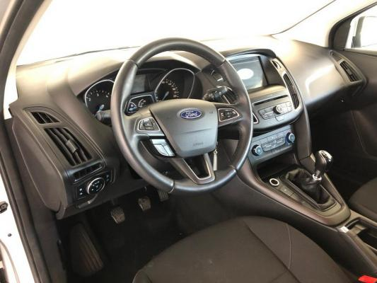Ford Focus SW 13