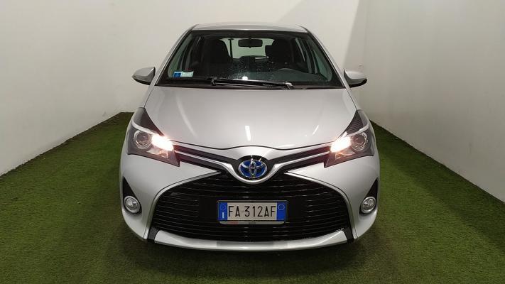 Toyota Yaris Hybrid 3