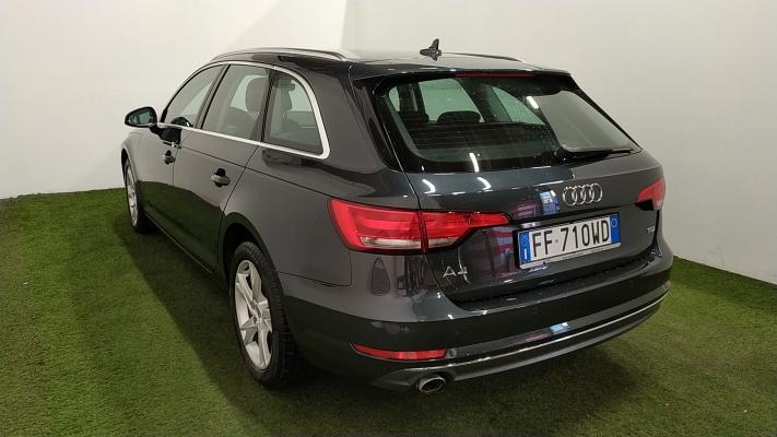 Audi A4 Avant 1