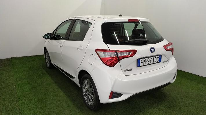 Toyota Yaris Hybrid 1