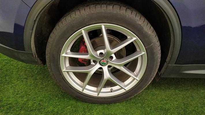 Alfa Romeo Stelvio 16