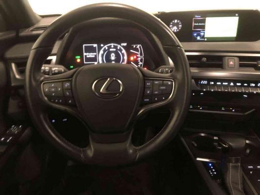 Lexus UX Hybrid 14