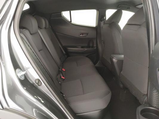 Toyota C-HR Hybrid 13
