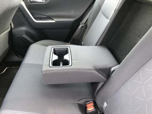 Toyota RAV4 Hybrid 23