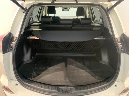 Toyota RAV4 Hybrid 7