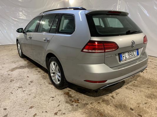 Volkswagen Golf Variant 2