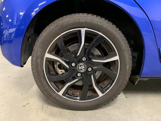 Toyota Yaris Hybrid 25