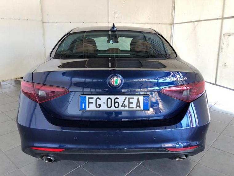 Alfa Romeo Giulia 2.2 Turbodiesel 180 CV AT8 Business Sport Launch Ed. 2016 6