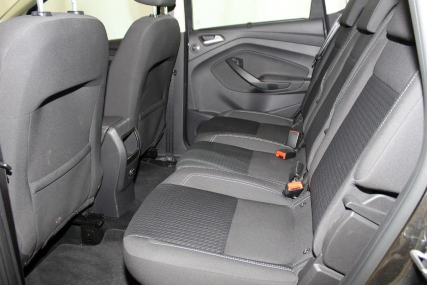 Ford C-Max 1.5 TDCi 120 CV S&S Business 2017 10