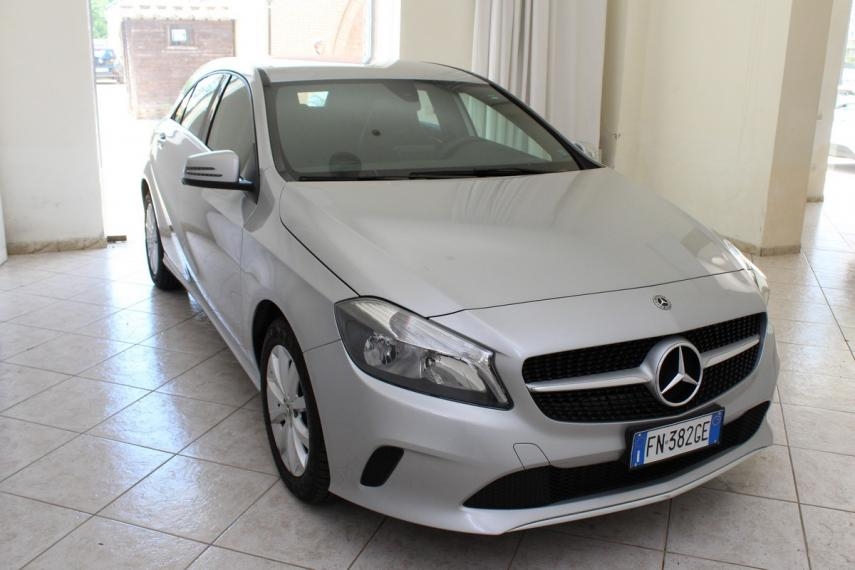 Mercedes-Benz Classe A A 180 d Business 2015 3