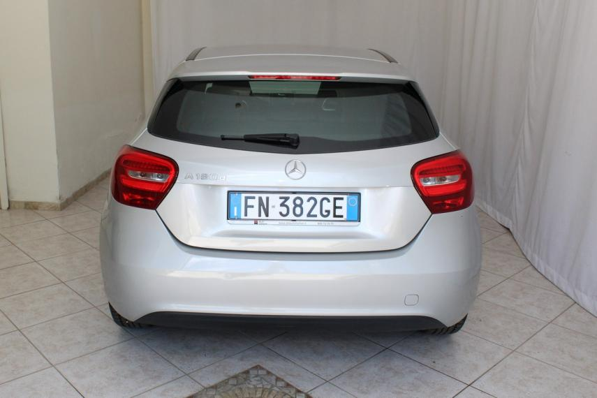 Mercedes-Benz Classe A A 180 d Business 2015 5