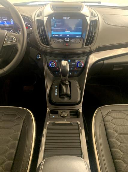 Ford Kuga 2.0 TDCI S&S Powershift Vignale 2016 13