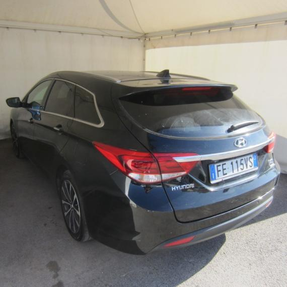Hyundai i40 SW 1.7 CRDi 141 CV Business Station Wagon 2015 1