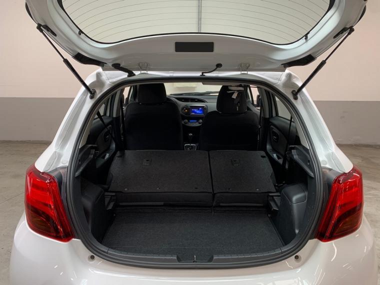 Toyota Yaris Hybrid 1.5 Hybrid 5p. Active 2015 8