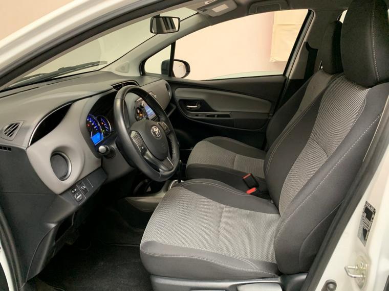Toyota Yaris Hybrid 1.5 Hybrid 5p. Active 2015 9