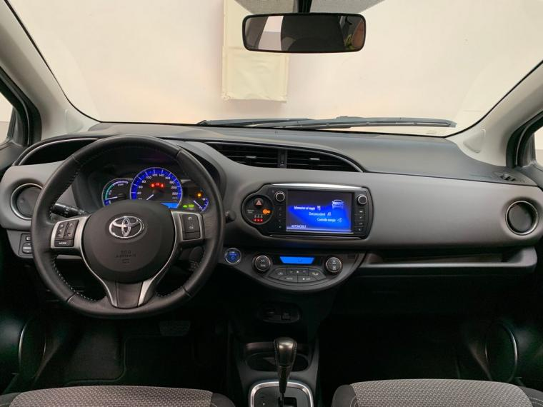 Toyota Yaris Hybrid 1.5 Hybrid 5p. Active 2015 13
