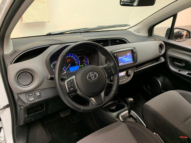 Toyota Yaris Hybrid 1.5 Hybrid 5p. Active 2015 14