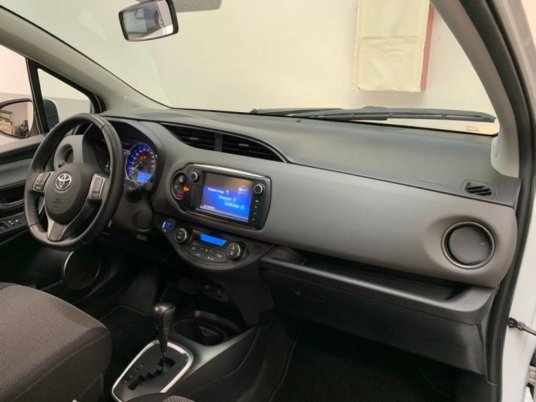 Toyota Yaris Hybrid 1.5 Hybrid 5p. Active 2015 15