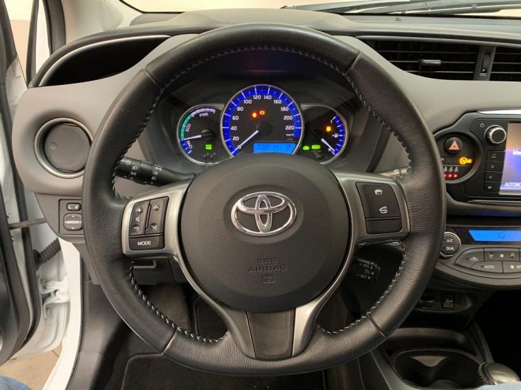 Toyota Yaris Hybrid 1.5 Hybrid 5p. Active 2015 17