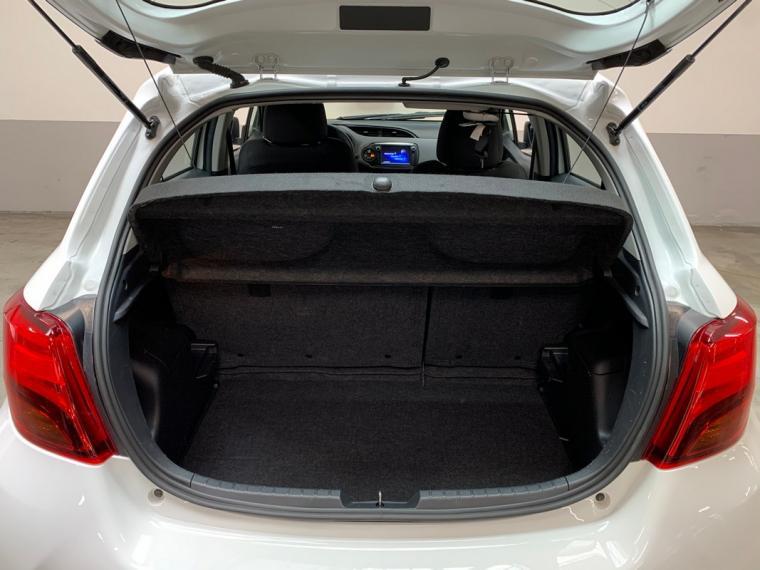 Toyota Yaris Hybrid 1.5 Hybrid 5p. Active 2015 7
