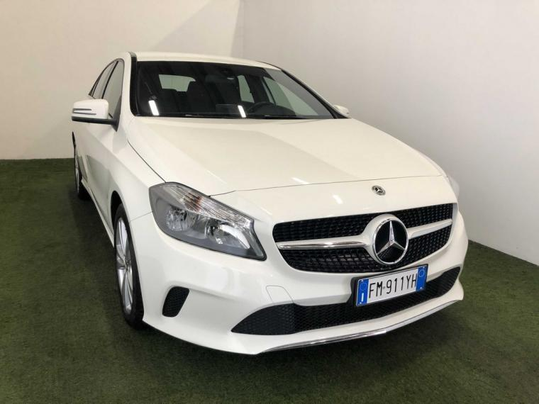 Mercedes-Benz Classe A 180 d Automatic Business 2015 3