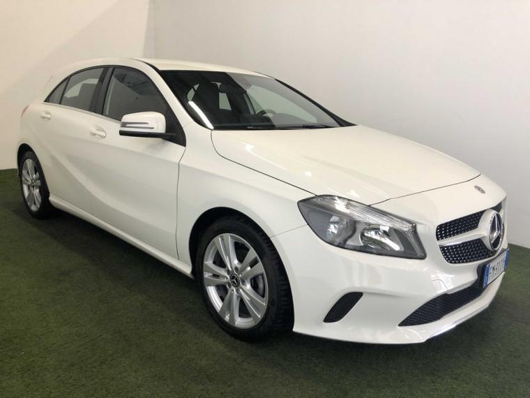 Mercedes-Benz Classe A 180 d Automatic Business 2015 4