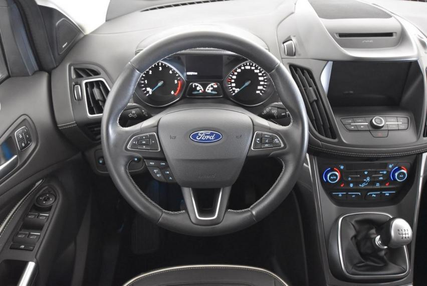 Ford Kuga 2.0 TDCI 150 CV S&S 2WD Vignale 2016 14