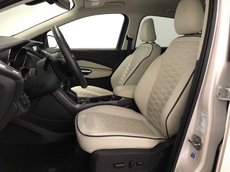 Ford Kuga 2.0 TDCI S&S Powershift Vignale 2016 8