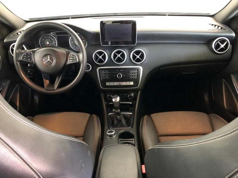 Mercedes-Benz Classe A A 180 d Business 2015 12