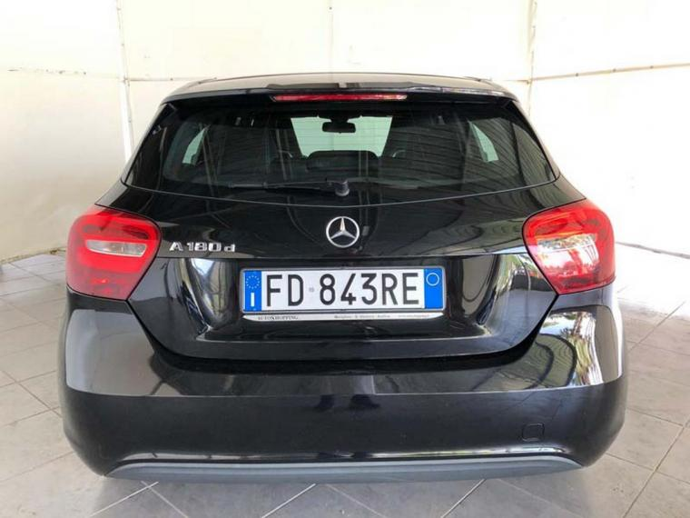 Mercedes-Benz Classe A A 180 d Business 2015 6