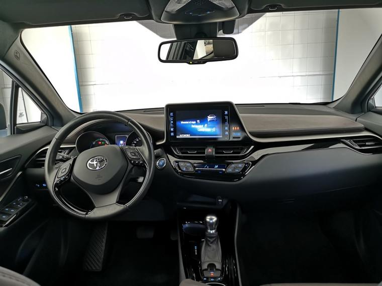 Toyota C-HR Hybrid 1.8 Hybrid E-CVT Lounge 2016 11