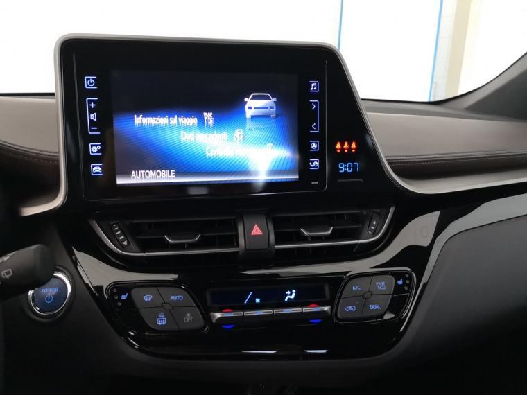 Toyota C-HR Hybrid 1.8 Hybrid E-CVT Lounge 2016 16