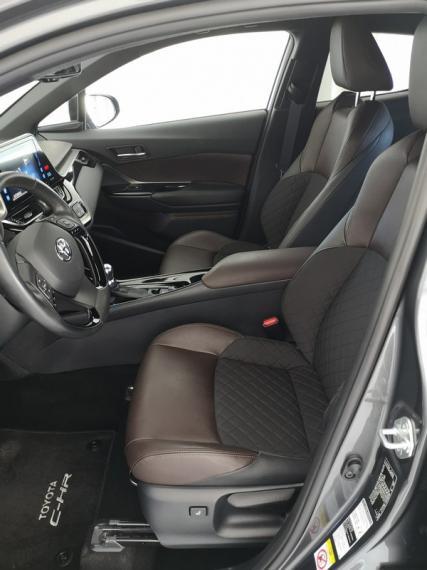 Toyota C-HR Hybrid 1.8 Hybrid E-CVT Lounge 2016 7