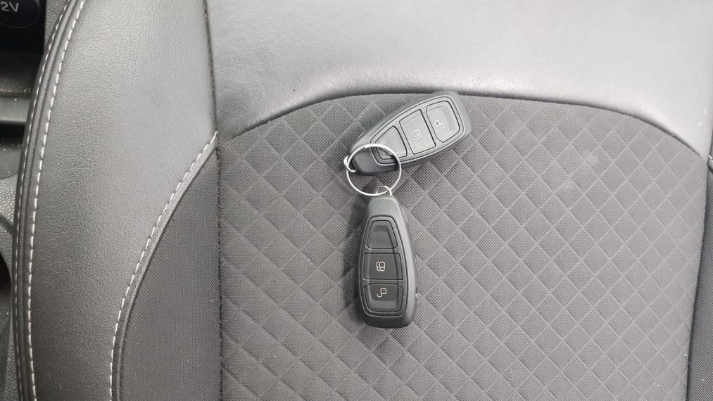 Ford EcoSport 1.5 TDCi 95 CV Titanium 2015 25