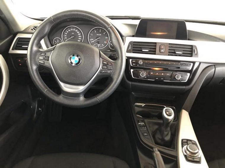BMW Serie 3 318d xDrive Business Advantage 2015 13