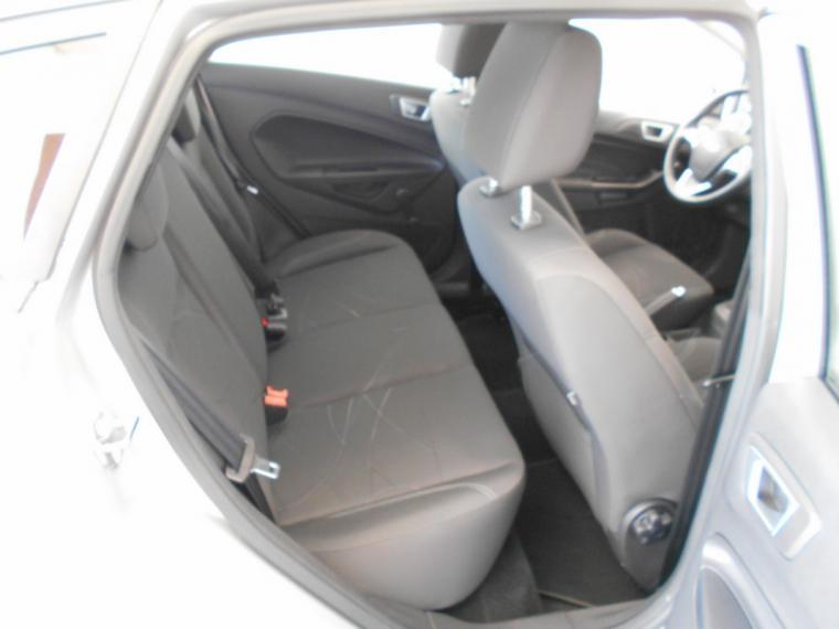 Ford Fiesta 1.5 TDCi 75 CV 5p. Business 2016 9