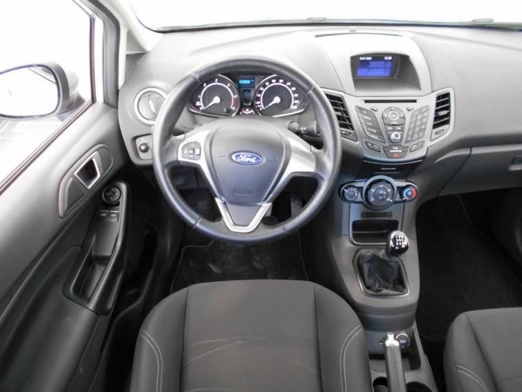 Ford Fiesta 1.5 TDCi 75 CV 5p. Business 2016 11