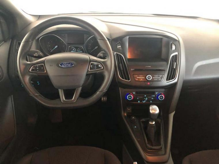 Ford Focus SW 1.5 TDCi 120 CV S&S ST Line Station Wagon 2016 13
