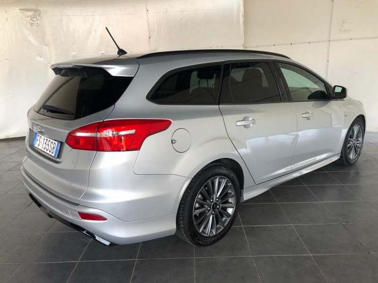 Ford Focus SW 1.5 TDCi 120 CV S&S ST Line Station Wagon 2016 5
