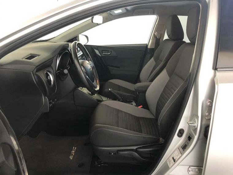 Toyota Auris TS Hybrid 1.8 Hybrid Business Touring Sports 2016 9